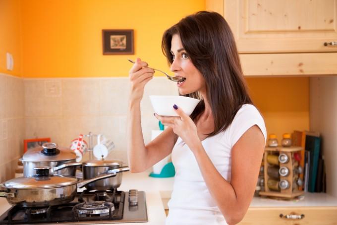 妊娠中に食べて良い物、食べてはいけない物まとめ